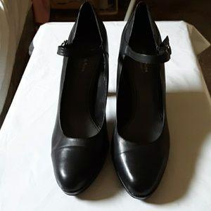 Simply Vera shoes. 10